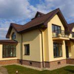 Как украсить фасад старого дома на годы вперед?