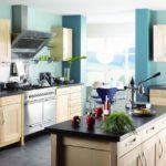 Красим стены в кухне