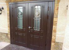 металлические двери в загородном доме